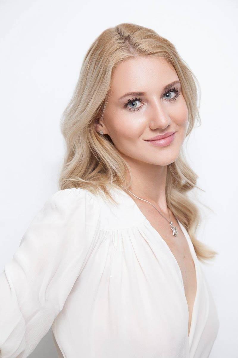 Alisa S. Portrait